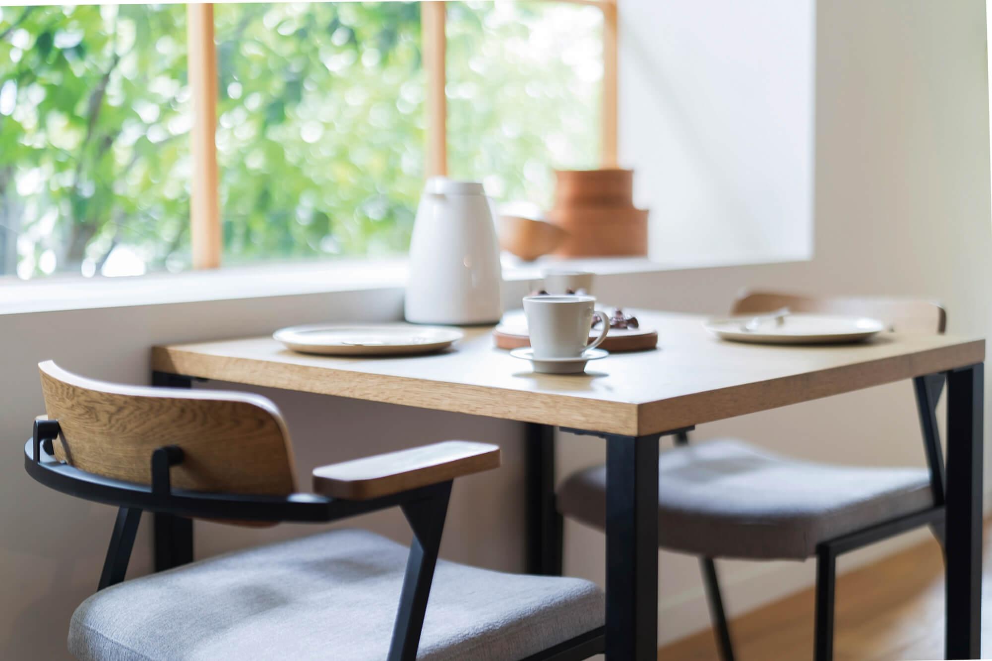 カーラダイニングテーブル